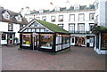 TQ5838 : Tourist Information, The Pantiles. by Nigel Chadwick