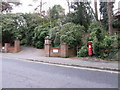 SZ0891 : Bournemouth: postbox № BH2 276, Braidley Road by Chris Downer
