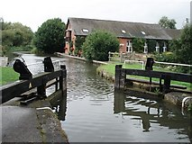 SU6971 : Southcote Lock and former pumping station by Simon Mortimer