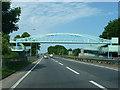 SU9006 : Footbridge by Chris Gunns