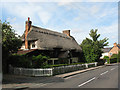 TL4009 : Thatched house, Epping Road, Roydon by Stephen Craven