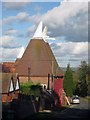 TQ6843 : Longbrooks Oast, Knowle Road, Brenchley Kent by Oast House Archive