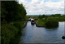 ST9861 : View down Caen Hill Locks by Roger Gittins