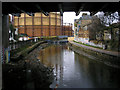 TQ3483 : Regent's Canal, looking west from A107 bridge : Week 8