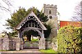 SU6894 : The lych gate and St Leonard's church in Watlington by Steve Daniels