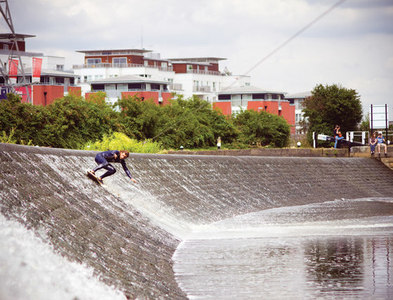 SK5702 : Foxes Wall by Wakeskate