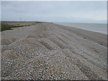 TR0017 : Shingle Beach towards Dungeness by David Anstiss