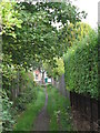 TQ4171 : Footpath between Portland Road and Leamington Avenue, BR1 (2) by Mike Quinn