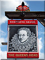 TR0559 : The Queens Head sign by Oast House Archive