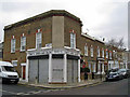 TQ3275 : Davey's Unisex Hair Salon, Herne Hill by Richard Dorrell