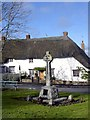 SU2685 : Memorial and Thatched House, Ashbury by Des Blenkinsopp
