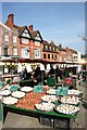 SU7582 : Garlic in Henley Market by Des Blenkinsopp