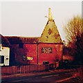 TQ6747 : Oast House adj The Blue Bell Inn, Beltring Road, Beltring by Oast House Archive