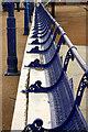 TV6198 : Pier seats : Week 25