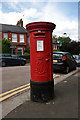 TQ2988 : Edward VII pillar box, Barrington Road by Julian Osley