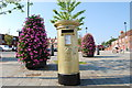 SU4806 : Golden post box in Hamble's High Street by Barry Shimmon