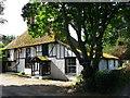 TQ8763 : Chestnut Street Farmhouse by David Anstiss