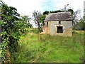 H6417 : Ruined house, Clossagh More by Kenneth  Allen