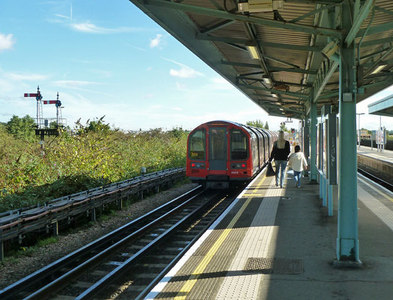 TQ1483 : Eastbound Central Line train leaving Greenford by Robin Webster