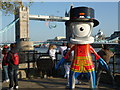 TQ3380 : Beefeater Mandeville at Tower Bridge by R Sones