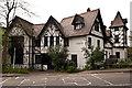 TQ4369 : Bank House, Summer Hill by Ian Capper