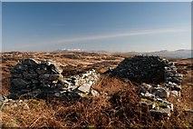 NR2362 : Ruined croft above Gleann na h-Uamha, Islay by Becky Williamson