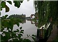 SO8832 : Mill Avon, Tewkesbury, in the rain by nick macneill