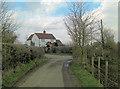 SU8187 : Un-named lane junction south of Walnut Tree Farm by Stuart Logan