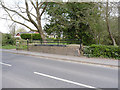 SK7054 : Potwell Dyke bridge, Newark Road by Alan Murray-Rust