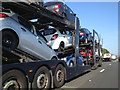 SU9379 : Fellow-travellers on the M4 eastbound south of Burnham by Robin Stott
