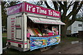 TA1230 : It's Time to dine, East Park, Hull by Ian S