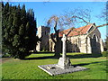 TL1841 : St Andrew's, Langford by Bikeboy