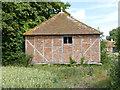 SU6285 : Staddle granary at Ipsden Farm by Alan Murray-Rust