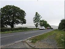 TL0420 : Dunstable Road by Alex McGregor