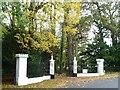 TL1232 : Gateway entrance, Shillington Manor, Apsley End Road by Christine Johnstone