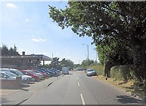 SU8997 : Beech Tree Road passes Beech Tree Autos by Stuart Logan