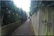 SE3155 : Urban footpath to Regent Parade by N Chadwick