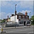 SK5738 : London Road: refurbishing The Globe by John Sutton