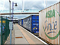 NS7993 : Container train at Stirling station : Week 25