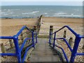 TV6097 : Steps down onto Eastbourne's pebbly beach : Week 26