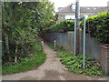 TL0703 : Public footpath, Kings Langley by Malc McDonald