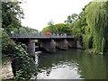 SU8284 : The weir at Hurley Lock by Steve Daniels