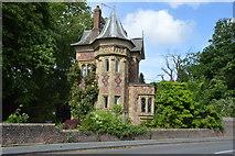 TQ5446 : Old Lodge by N Chadwick