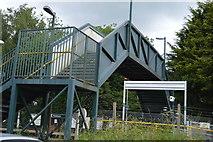 TQ5146 : Footbridge, Penshurst Station by N Chadwick