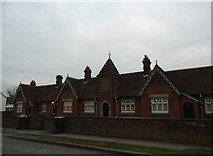 SP9541 : Almshouses on High Street, Cranfield by David Howard