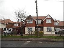 TL0430 : House on Barton Road, Harlington by David Howard