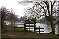 SU8887 : Thames Path. Gate into Spade Oak meadow by Robert Eva