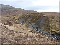 NG9673 : Eroded moraine in Coir' an Taoibh Riabhaich by Richard Law