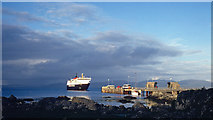 NR3994 : MV Isle of Mull approaching Colonsay by Julian Paren