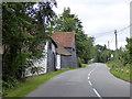 SP9405 : Huge Farm, Bellingdon by Robin Webster